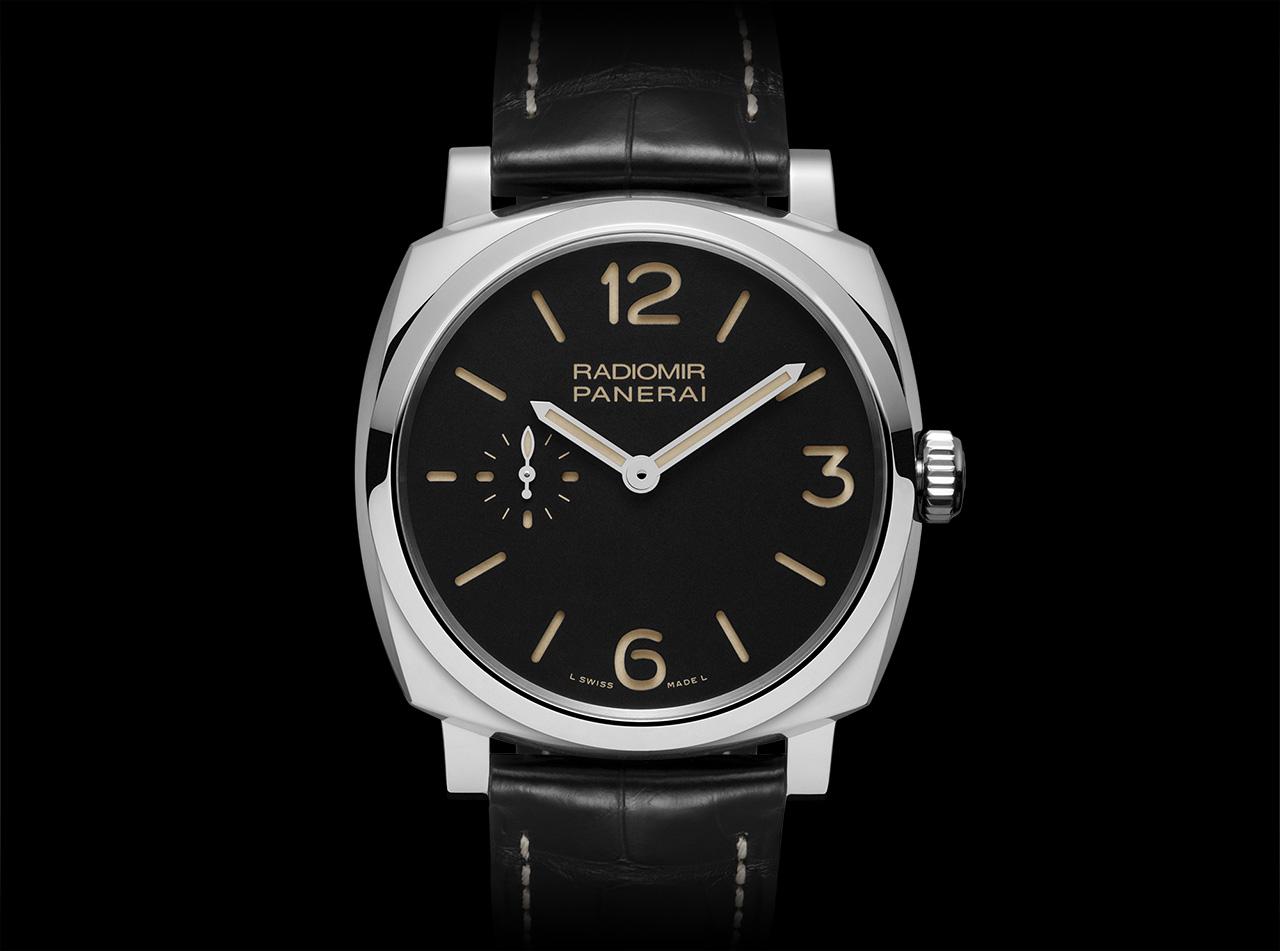 0ee8e397f29e El dial de color negro (acero) o marrón (oro) presenta una estructura  sandwich