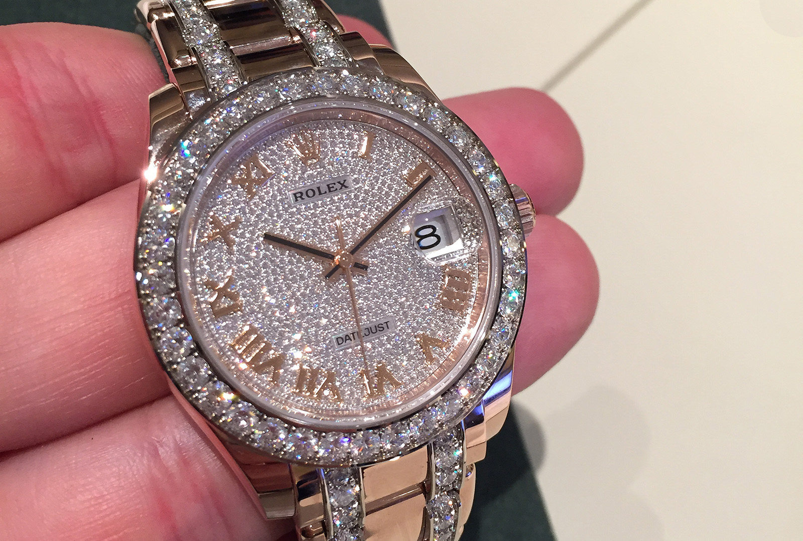 Rolex Oyster Perpetual Pearlmaster 39 full pavé 01