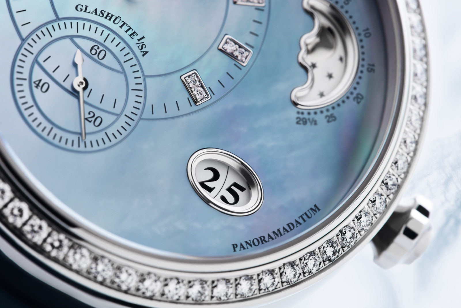 glashutte-original-panomatic-luna-detail-2
