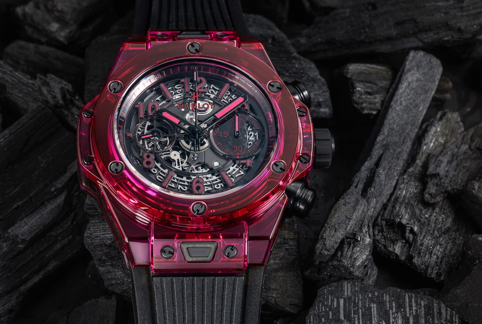 Hublot en Baselworld 2017 - Big Bang Unico Sapphire - red