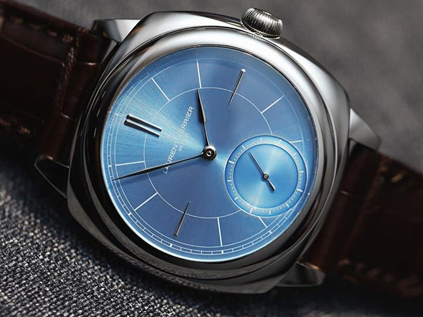Laurent Ferrier Galet Micro-rotor Square Ice Blue