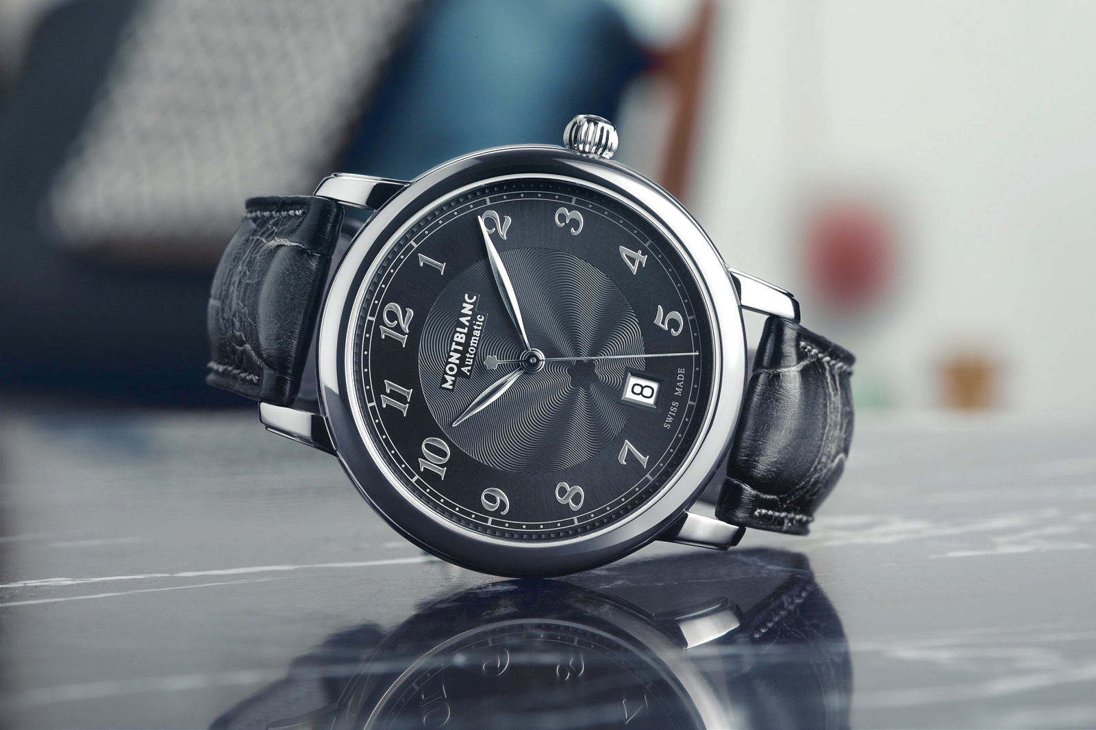 Montblanc Star Legacy Automatic Date 42 SIHH 2018