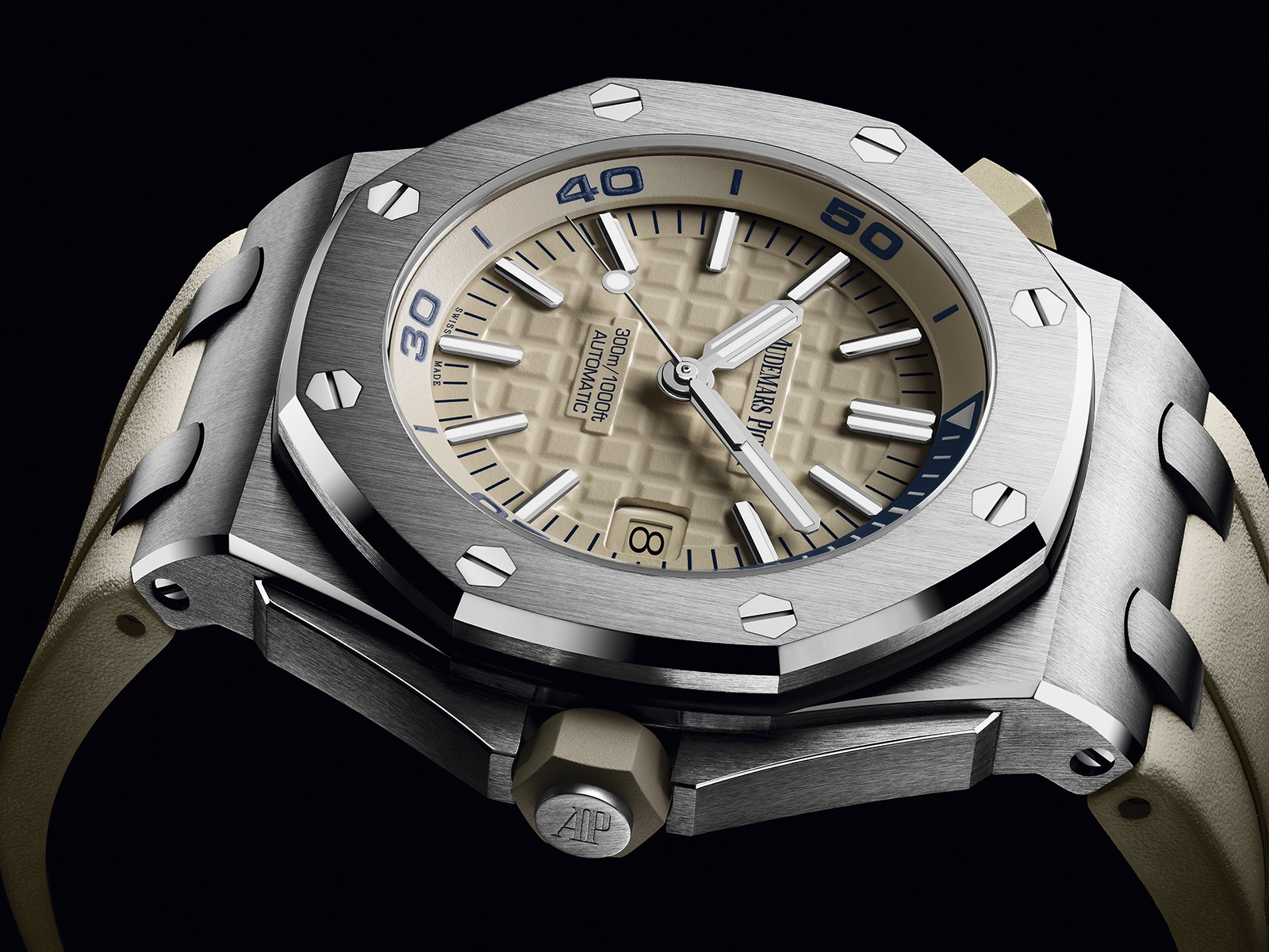 AudAudemars Piguet Royal Oak Offshore Diveremars Piguet Royal Oak Offshore DIver