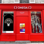 ¿Una boutique sin puertas? Sí, la nueva Pop-Up de correas NATO de Omega.