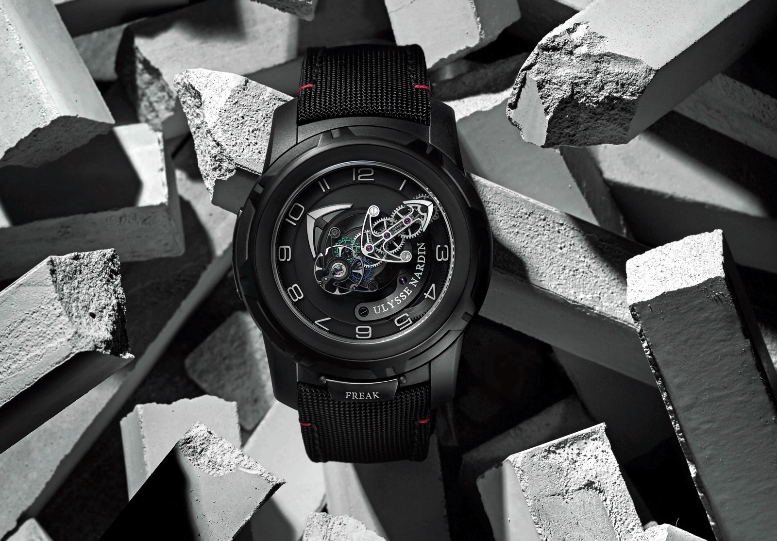 Ulysse Nardin Freak Out black