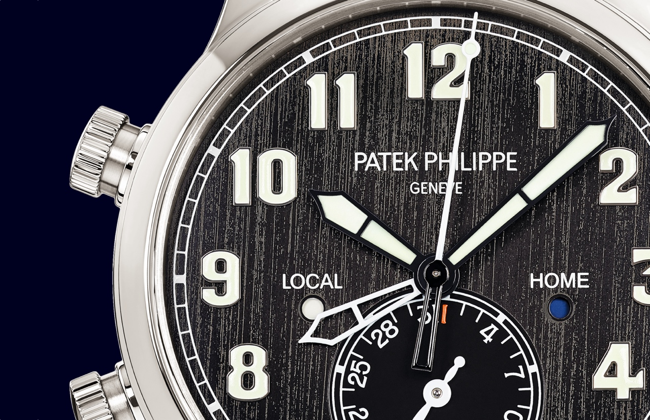 Patek Philippe Calatrava Pilot Travel Time 5524T - dial