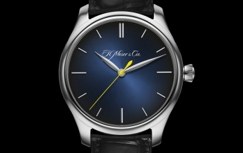 """H. Moser & Cie Endeavour Center Seconds Automatic """"Entrepreneur of the Year 2018"""""""
