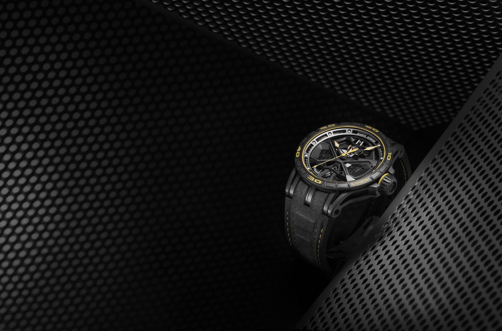 Roger-Dubuis-SIHH-2019-Excalibur-Huracan-Performante