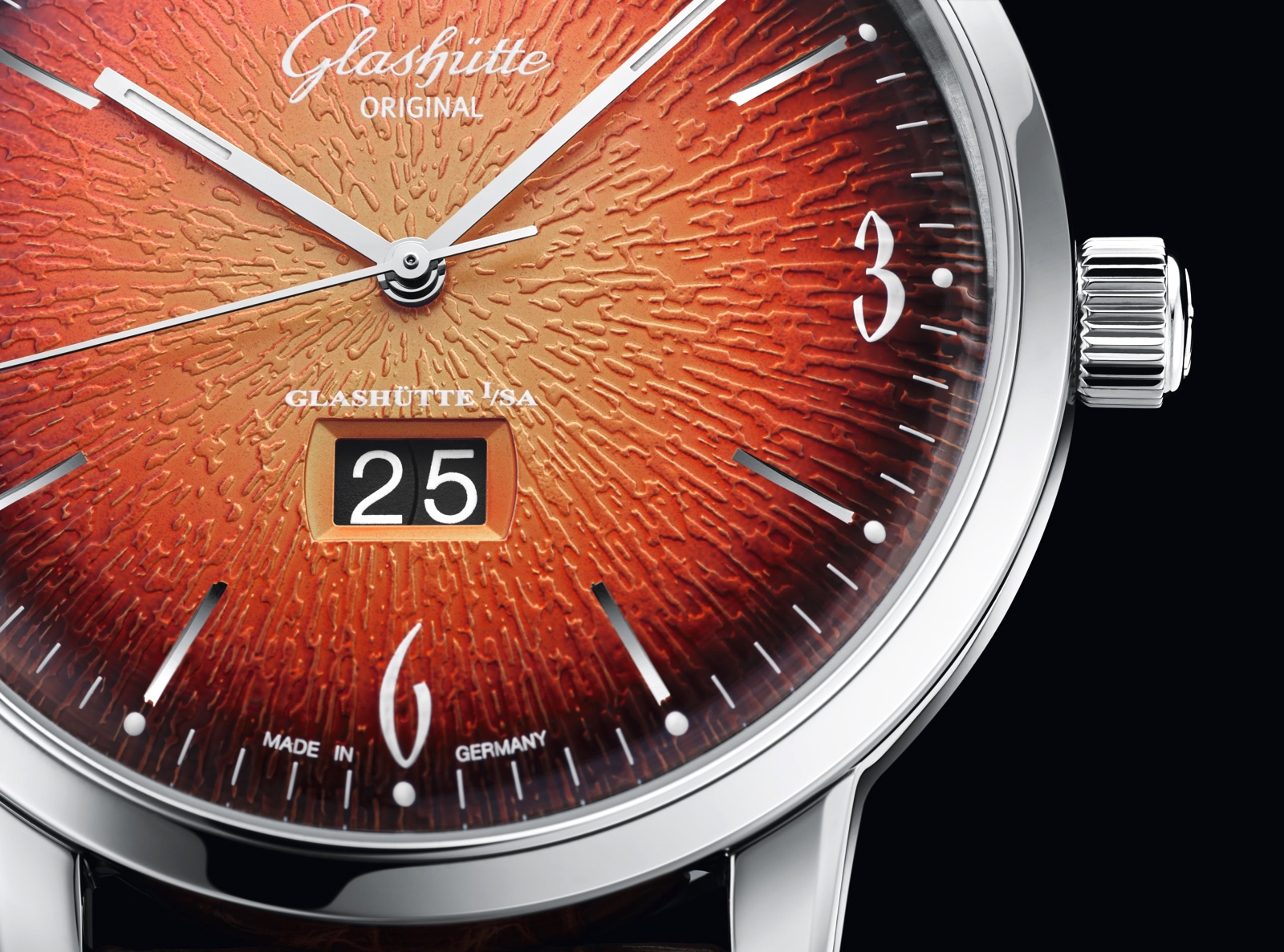 Glashütte Original Sixties 2019 Sixties Iconic Panorama Date Detail