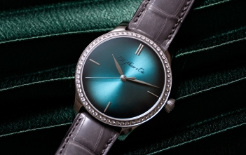 H. Moser Endeavour Centre Seconds Diamonds Purity