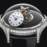Legacy Machine FlyingT. MB&F presenta su primer reloj femenino.