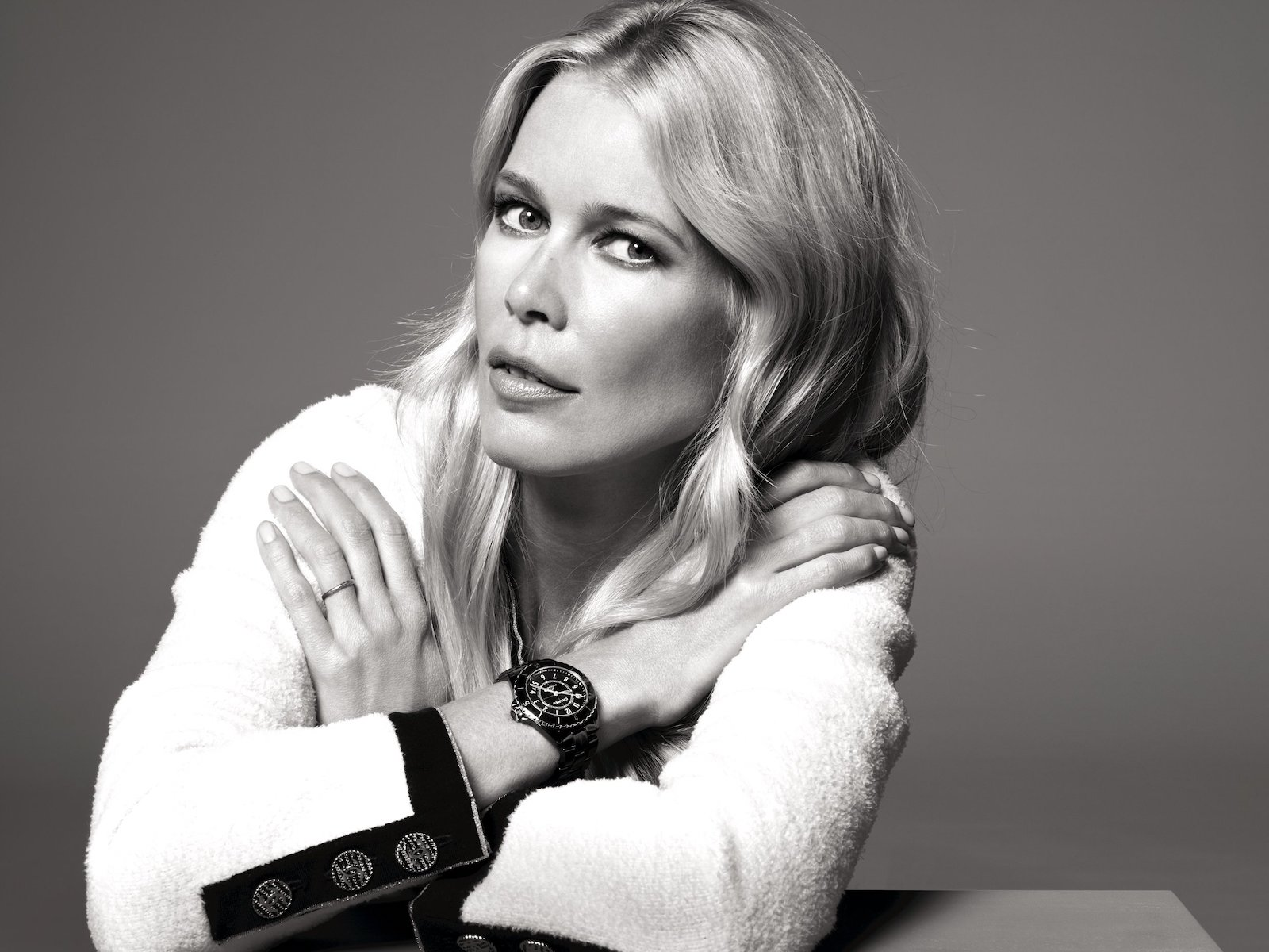 J12 It's all about seconds - Claudia Schiffer