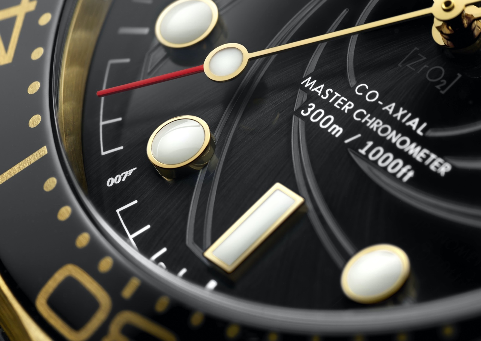 Omega The James Bond Set Limited Edition Yellow Gold Detail