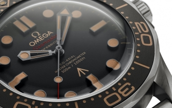 Omega Seamaster Diver 300M 007 Edition Cover