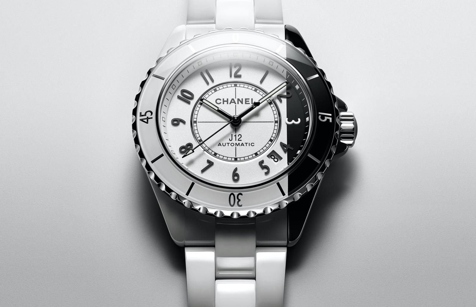 Chanel J12 Paradoxe