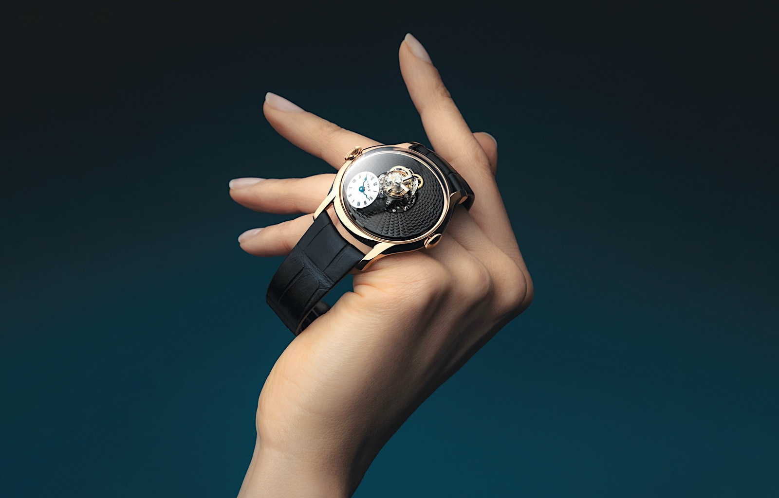 MB&F Legacy Machine FlyingT 2020 - lifestyle