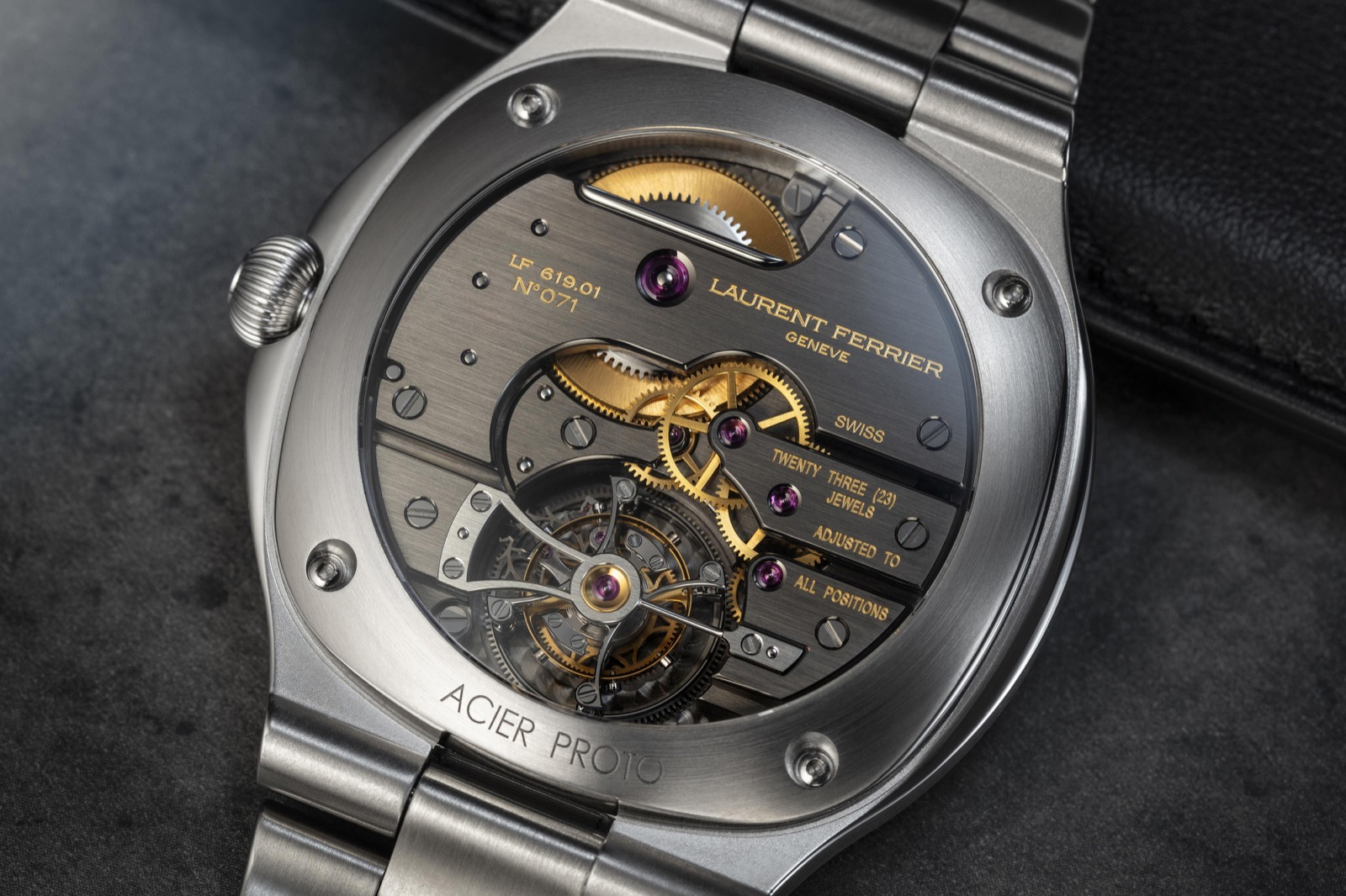 Laurent Ferrier Grand Sport Tourbillon - brazalete