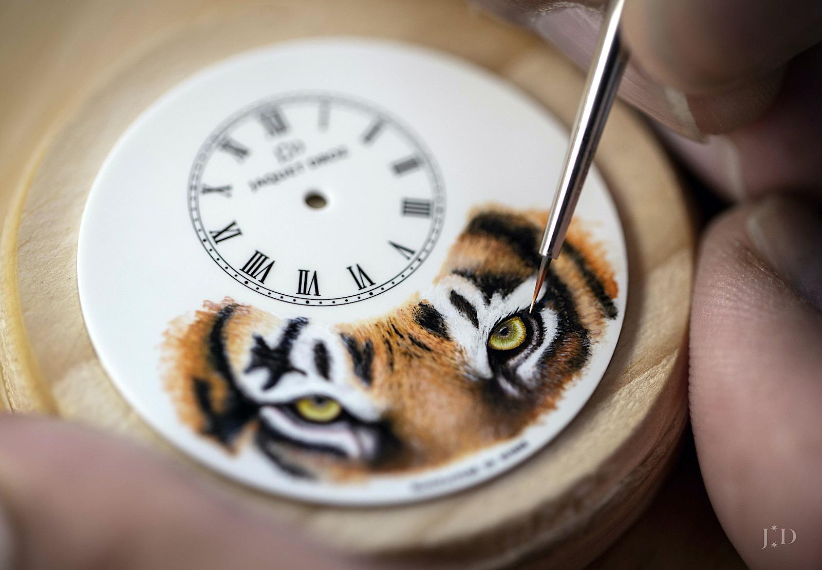 Jaquet Droz Petite Heure Minute Tiger - pintura rose gold