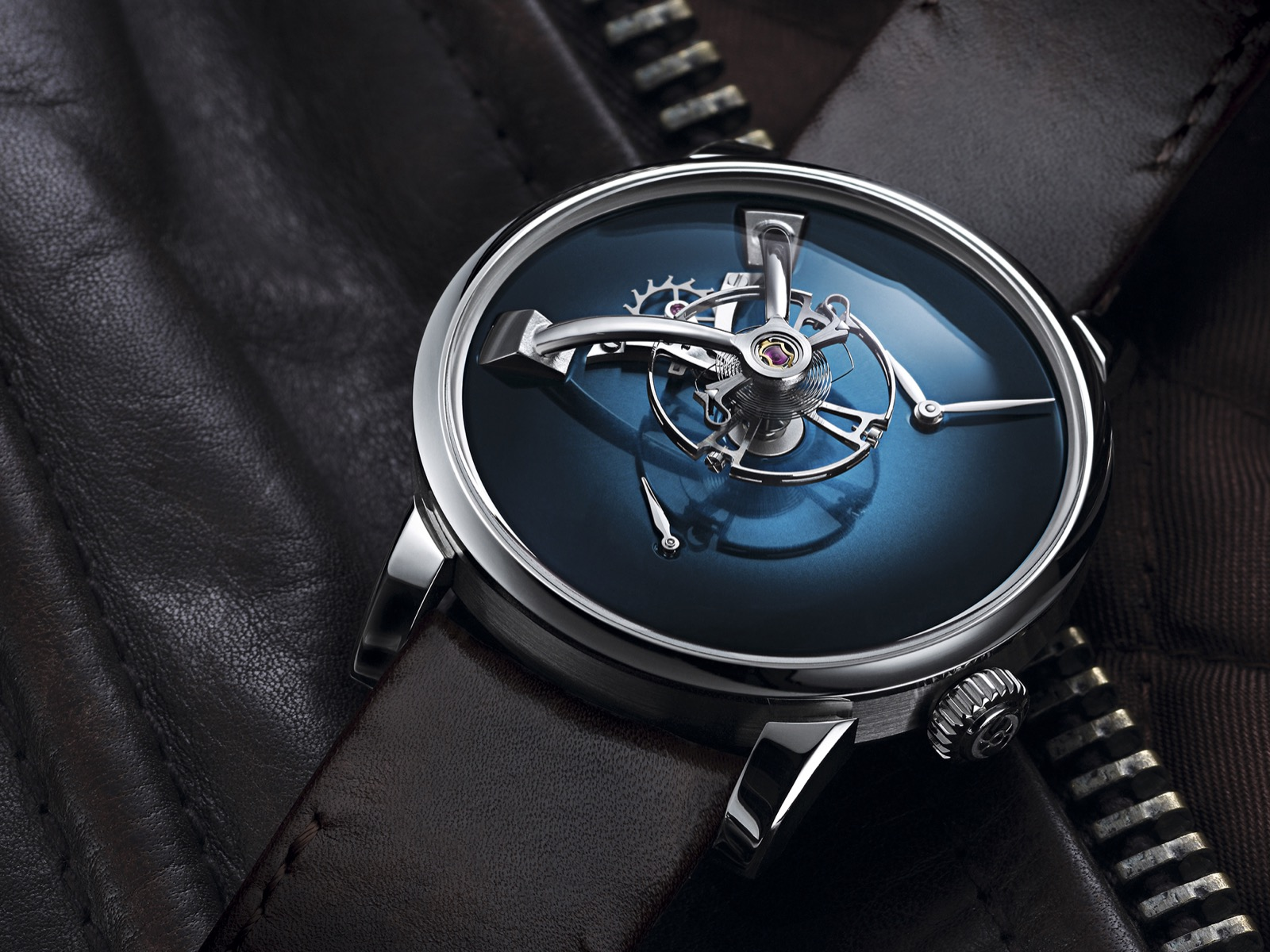 LM101 MB&F x H. Moser