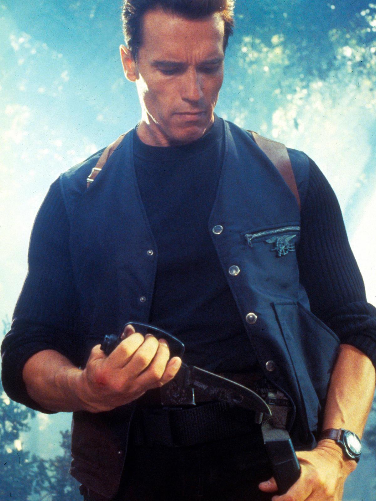 Arnold Schwarzenegger llevaba un Luminor Marina 5218-203 / A en Eraser , una película que se estrenó en junio de 1996