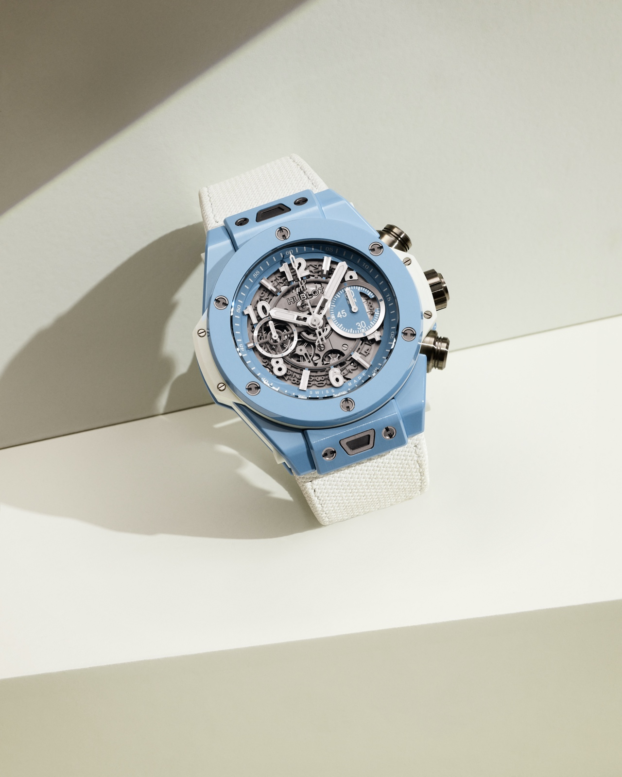 Hublot Big Bang Unico Sky Blue - lifestyle 2 v
