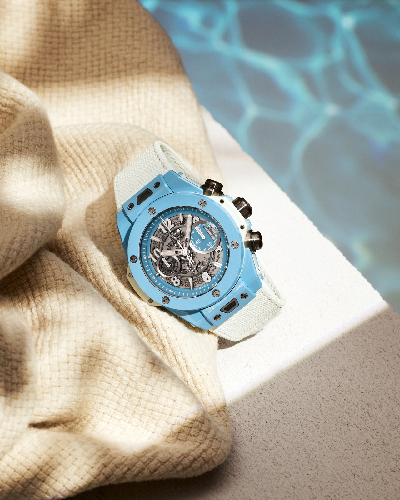 Hublot Big Bang Unico Sky Blue - lifestyle v