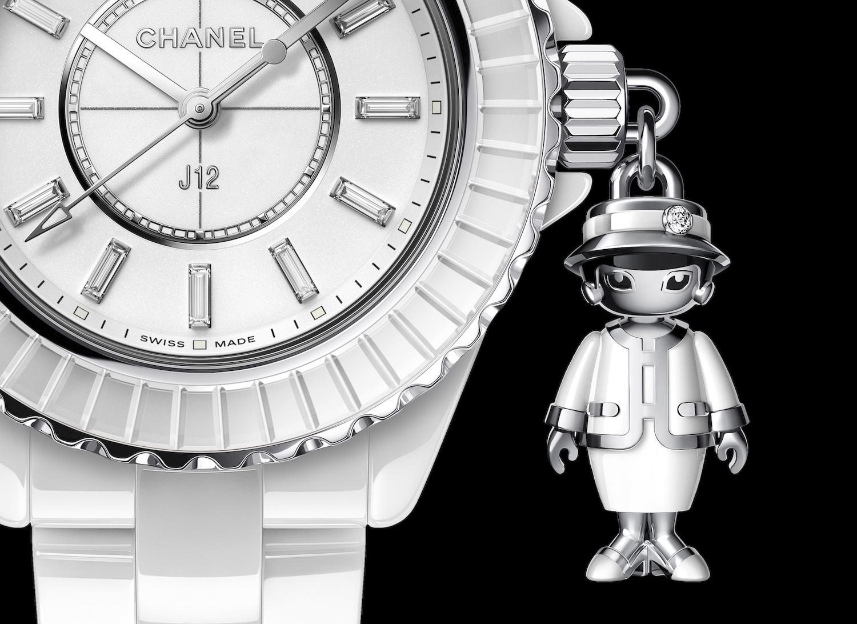 Chanel Mademoiselle J12 Acte II 2021 - white detalle