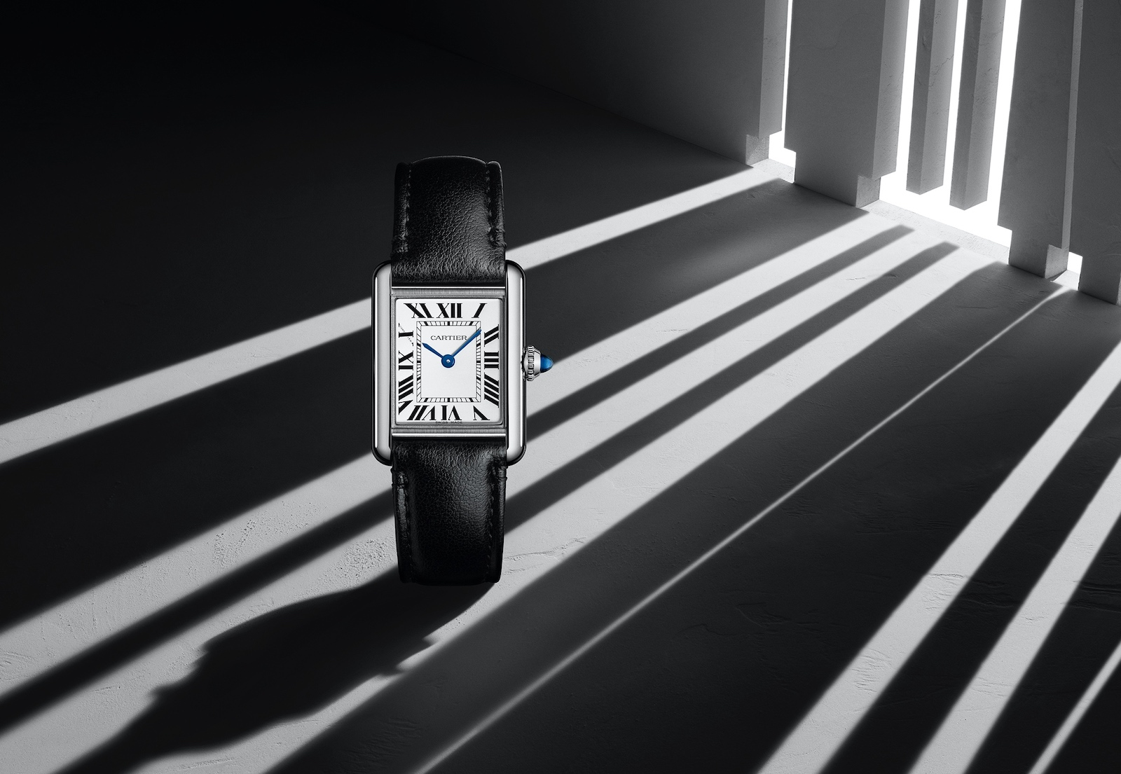 Cartier en Watches and Wonders 2021 - Tank Must SolarBeat