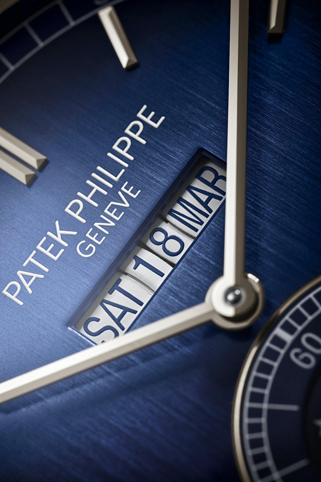 Patek Philippe 5236P In-Line Perpetual Calendar - dial calendar v