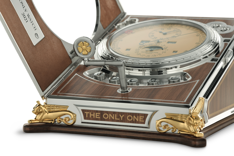 Patek Philippe Complicated Desk Clock 27001M-001 - detalle cuerda