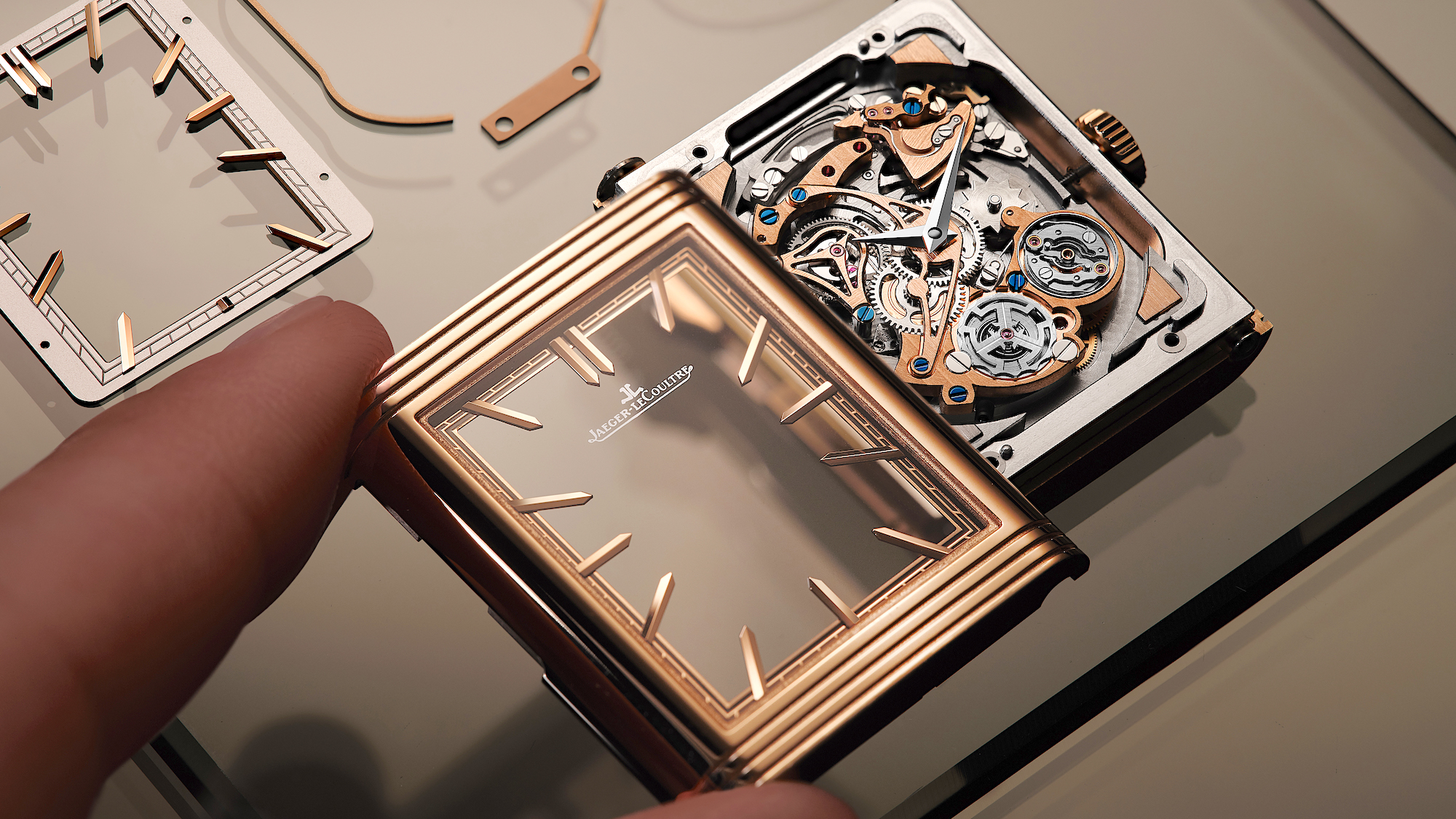 Jaeger-LeCoultre Reverso Tribute Minute Repeater - bisel